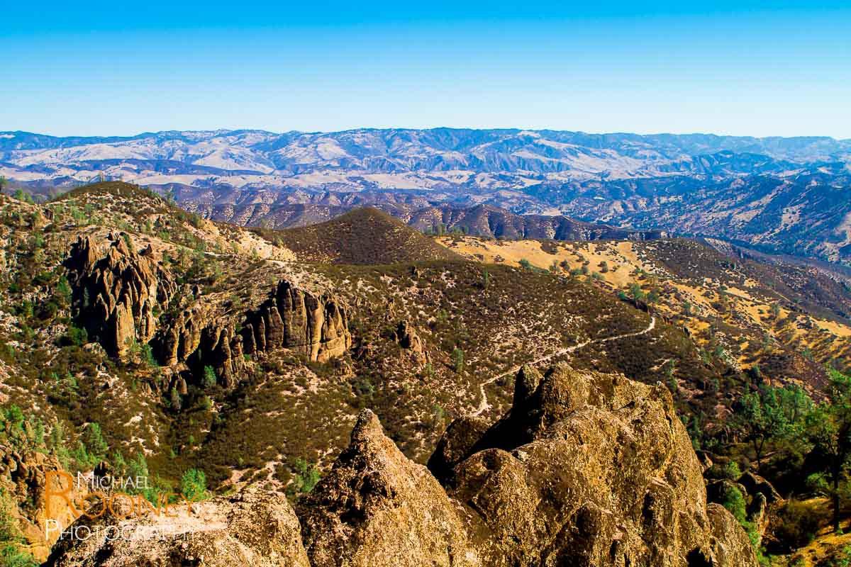 pinnacles national park valley