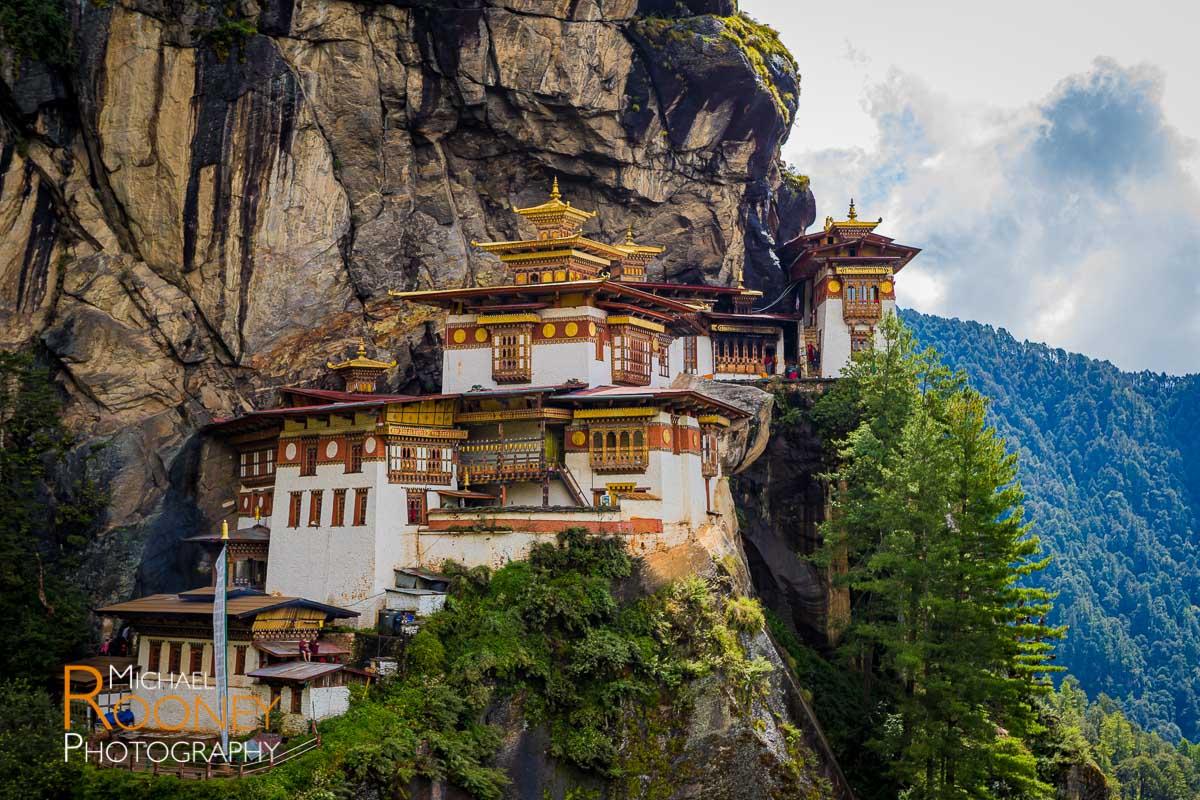 monastery tigers nest temple buddhist paro bhutan cliff