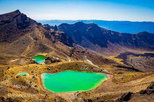 emerald lake tongariro alpine crossing new zealand