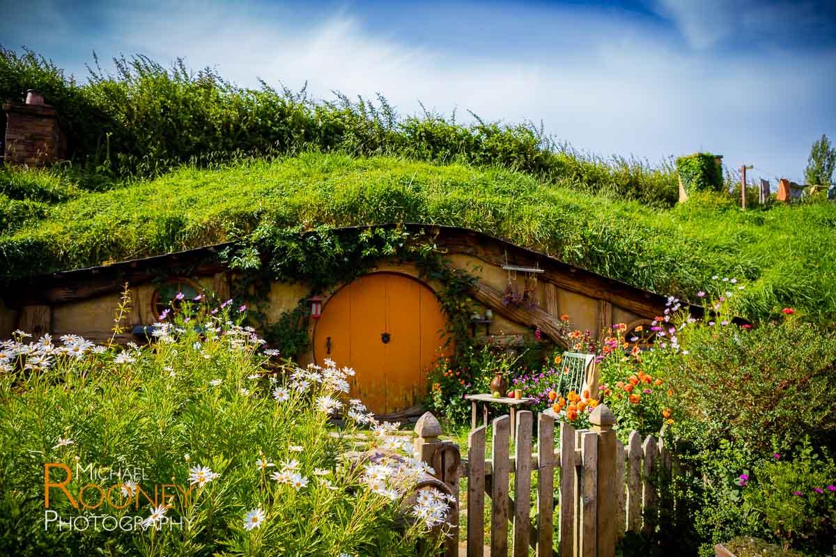 hobbit hole hobbiton matamata new zealand
